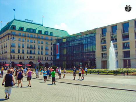 Portão de Brandenburger - Embaixadas. Thumb