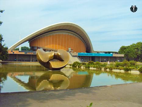 Haus der Kulturen der Welt, Centro de Culura e Arte - Tiengarten. Thumb