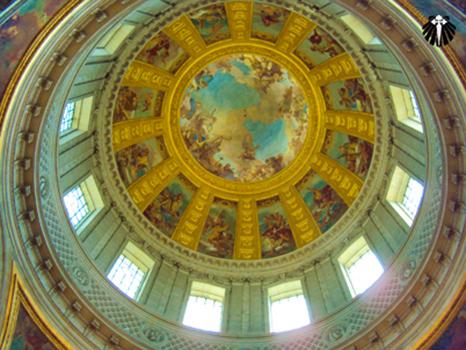 Teto sob a tumba de Napoleão, Museu dos Inválidos. Thumb