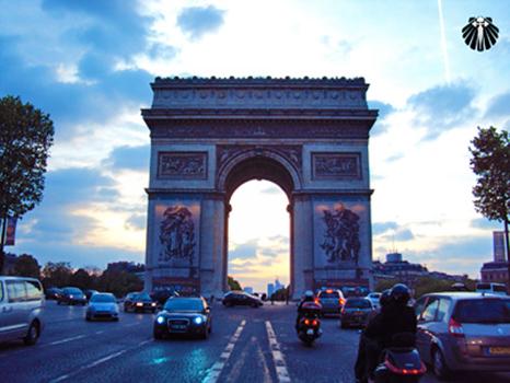 Arco do Triunfo, Champs Elisée. Thumb
