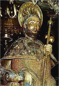 Estátua de Santiago na Catedral