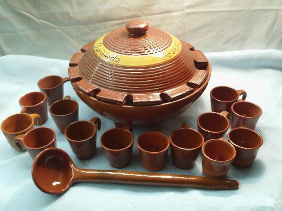 Utensílios tradicionais de barro para se fazer uma Queimada.