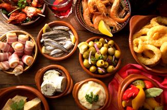 Tapas - aperitivos na Espanha.